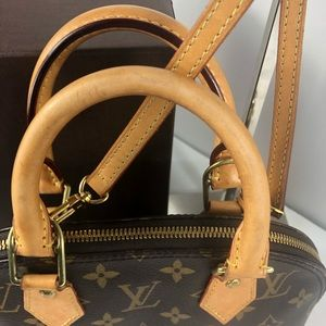 Louis Vuitton Bags - 💞adorable alma bb Louis Vuitton Bag